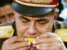 Karcolás a diktatúra ábrázatán