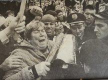 Az 1990-s évek súlyos gazdasági helyzete miatti tüntetés Kijevben